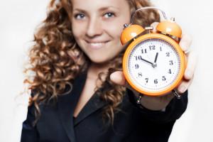 Kosztowne przestoje, problemy z rozliczaniem czasu pracy. Nadchodzi zmiana czasu. Nie ostatnia...