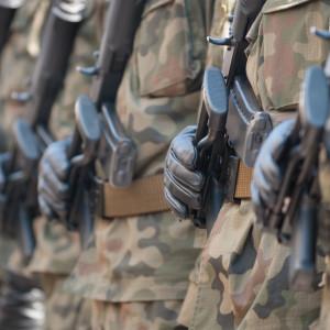 300 zł podwyżki dla pracowników wojska zatwierdzone