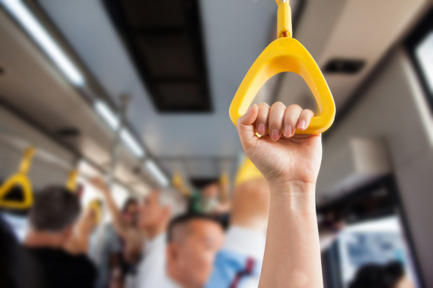 PiS chce zafundować bezrobotnym darmową komunikację publiczną
