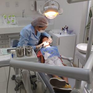 Stażysta lekarz i lekarz dentysta otrzymywać będą po 2465 zł miesięcznie