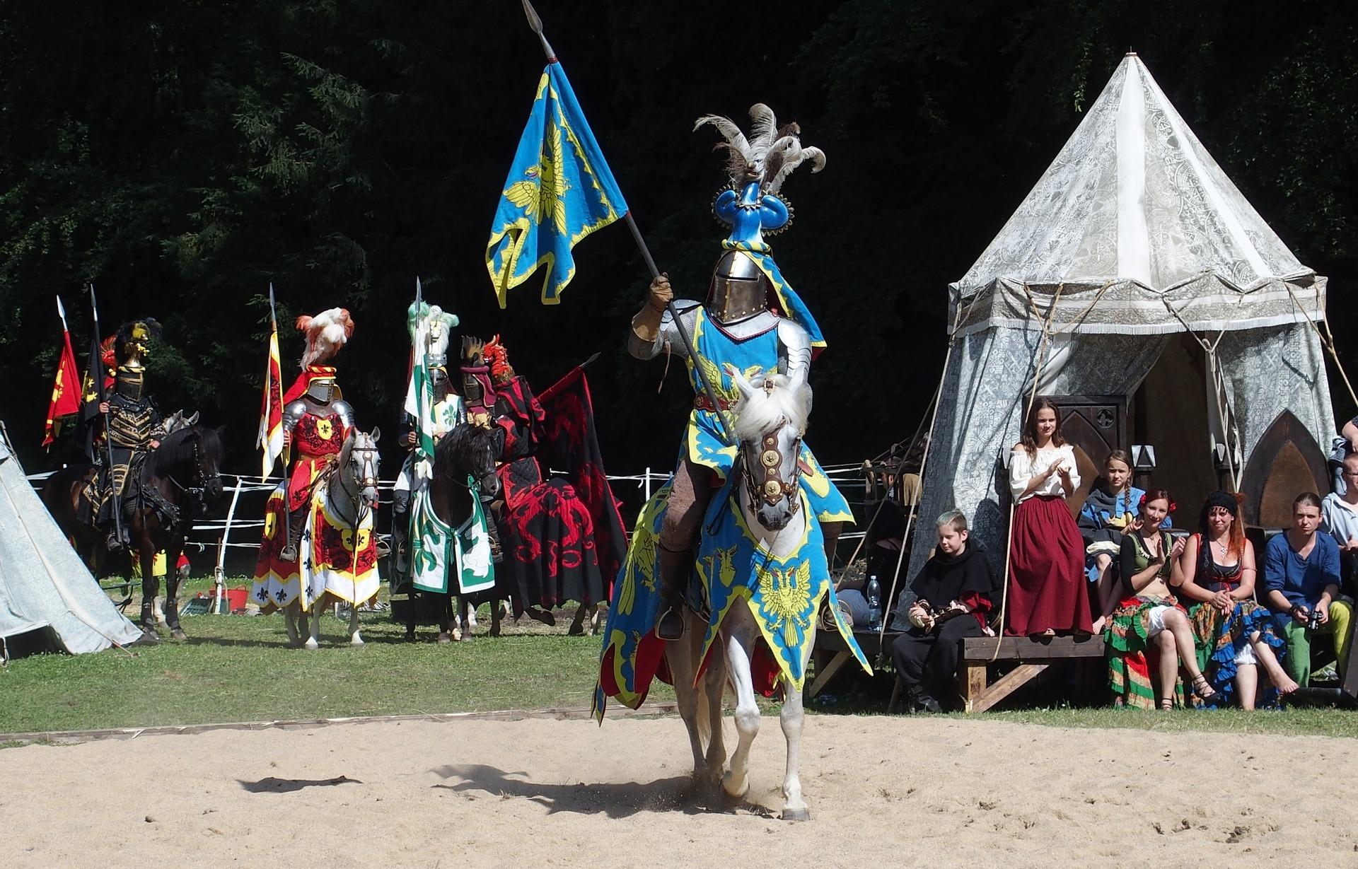 Akcja gry typu LARP może toczyć się na średniowiecznym zamku. (Fot. Pixabay)