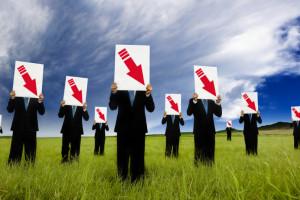 Klienci coraz mniej zadowoleni z jakości obsługi. Powodem może być sytuacja na rynku pracy