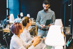 Jak poszerzyć kompetencje pracownika wewnątrz firmy? Jest prosty sposób