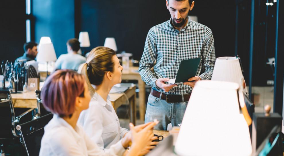Jak poszerzać kompetencje pracownika wewnątrz firmy?