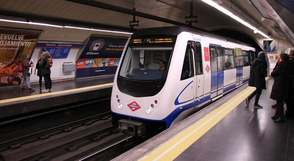 Strajk pracowników metra w związku z zagrożeniem azbestozą