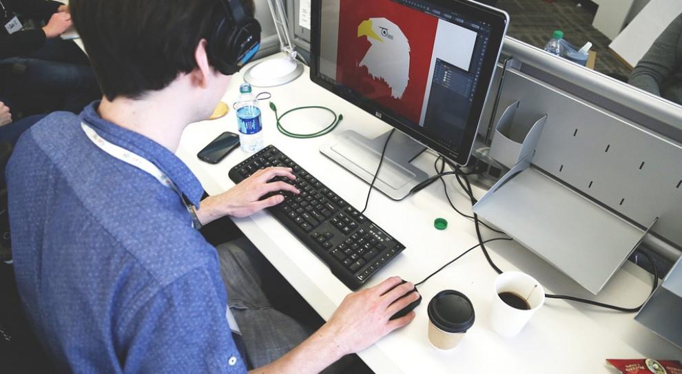 Co czwarty pracownik biurowy pracuje w uporczywym stresie. A to wierzchołek góry lodowej