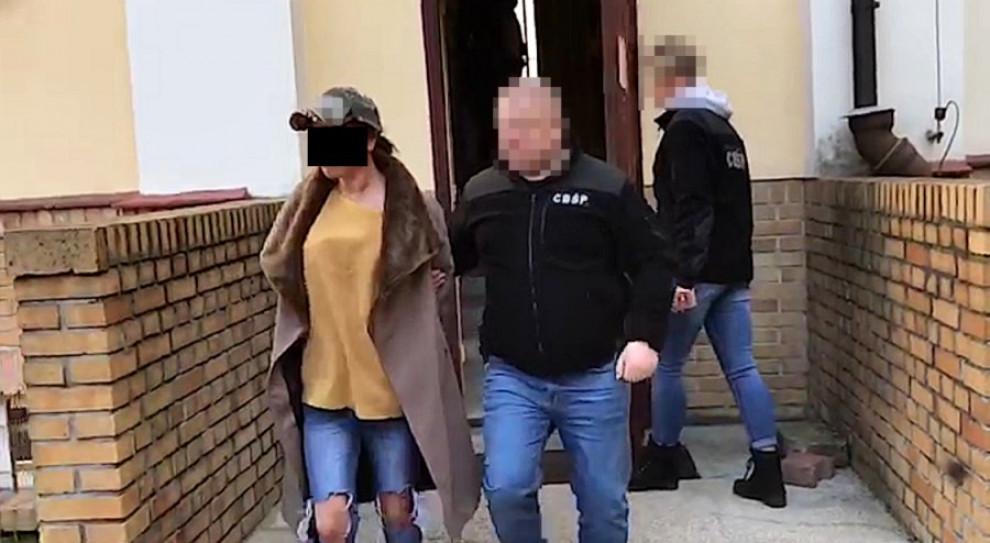 """Wysyłali młode kobiety do """"pracy"""" w Europie. Wpadli w ręce policji"""