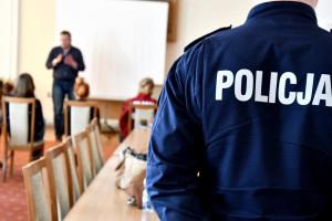 """Policjanci uczą się języka migowego. """"Niesłyszący są aktywnymi kierowcami"""""""
