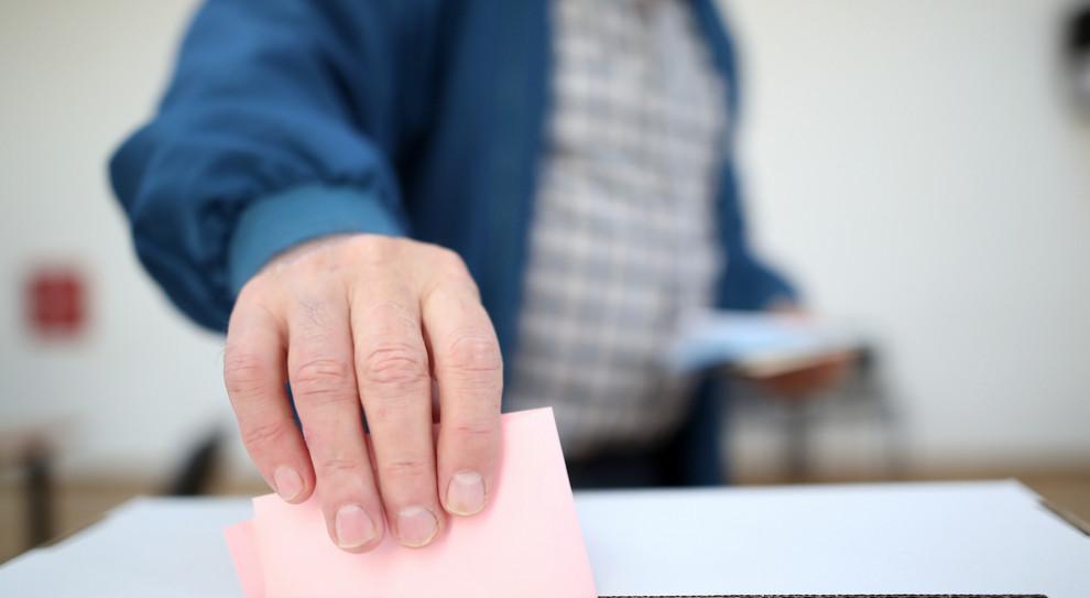 Agitacja wyborcza w miejscu pracy. Firmy zakazują jej w regulaminach
