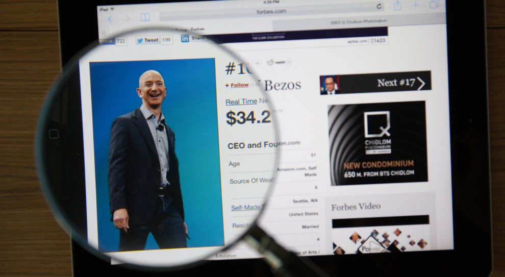 Jeff Bezos wzywa do podwyższenia płacy minimalnej