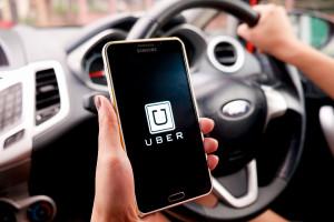 """Przez """"lex uber"""" kierowcy zostaną bez pracy? Zdania są podzielone"""