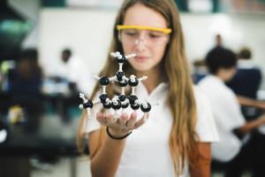 Studentki dużo chętniej niż studenci rozwijają swoje kompetencje