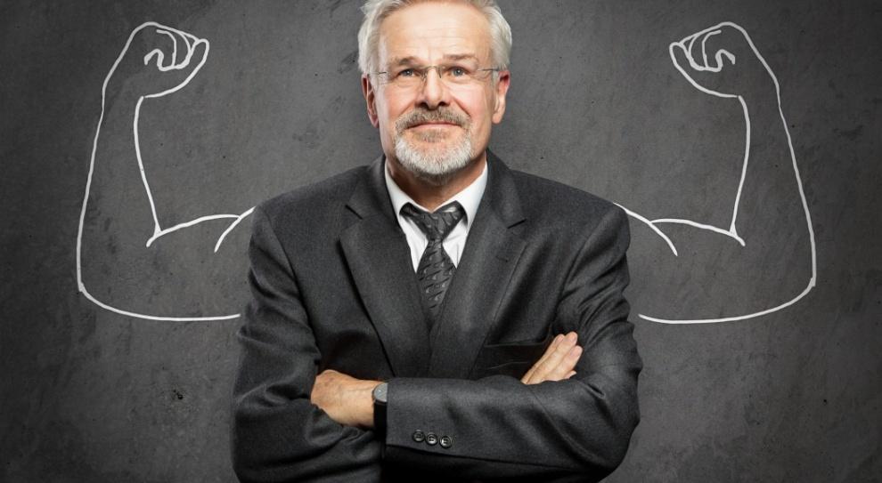 Coraz częściej zatrudniają osoby dojrzałe zawodowo, choć nie odnajdą się oni we wszystkich strukturach. (Fot. Fotolia)