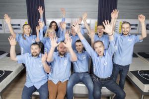 Pracownicy JYSK na wakacjach w Hiszpanii. W sklepach sprzedają... dyrektorzy