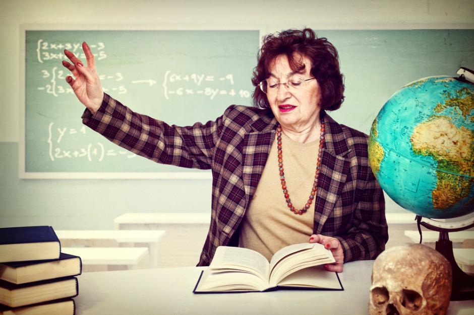 Nauczyciele są jedną z grup o najwyższej zapadalności na choroby zawodowe. (Fot. Shutterstock)