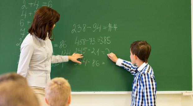 Szydło: Proponujemy rozpoczęcie znacznego wzrostu wynagrodzeń dla nauczycieli