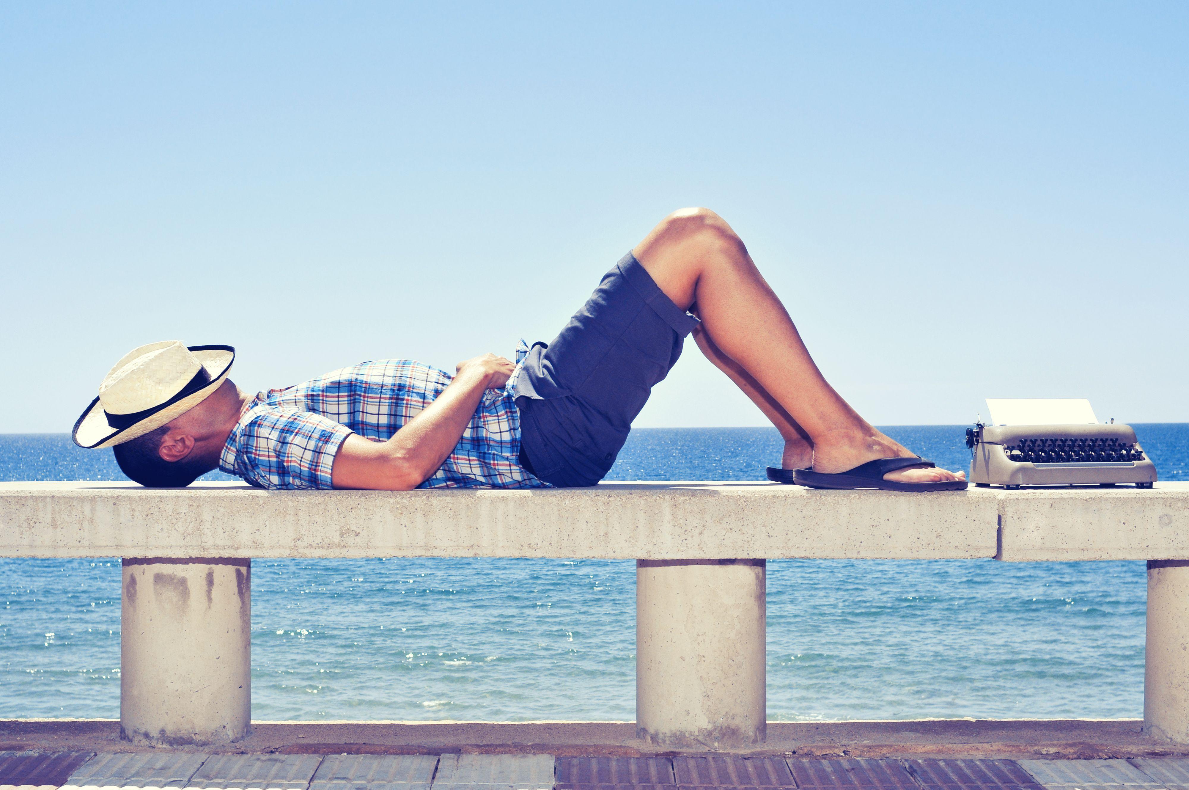 Jeden na dziesięciu pracodawców deklaruje również, że pula dni urlopowych dla pracowników jest większa niż przewidziana w Kodeksie pracy (Fot. Shutterstock)