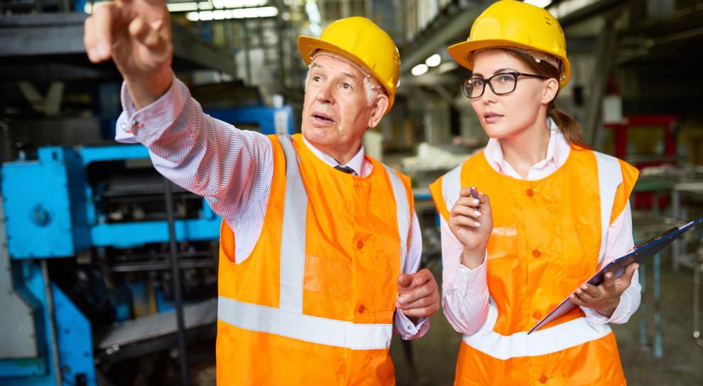 Nadszedł dobry czas dla pracowników 50+. Co ich motywuje do pracy?