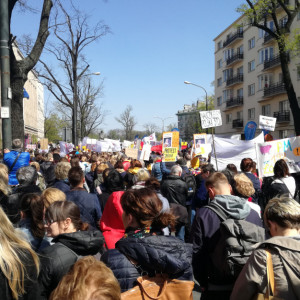 Analiza eksperta: Samorządy mogą wypłacać pieniądze strajkującym nauczycielom