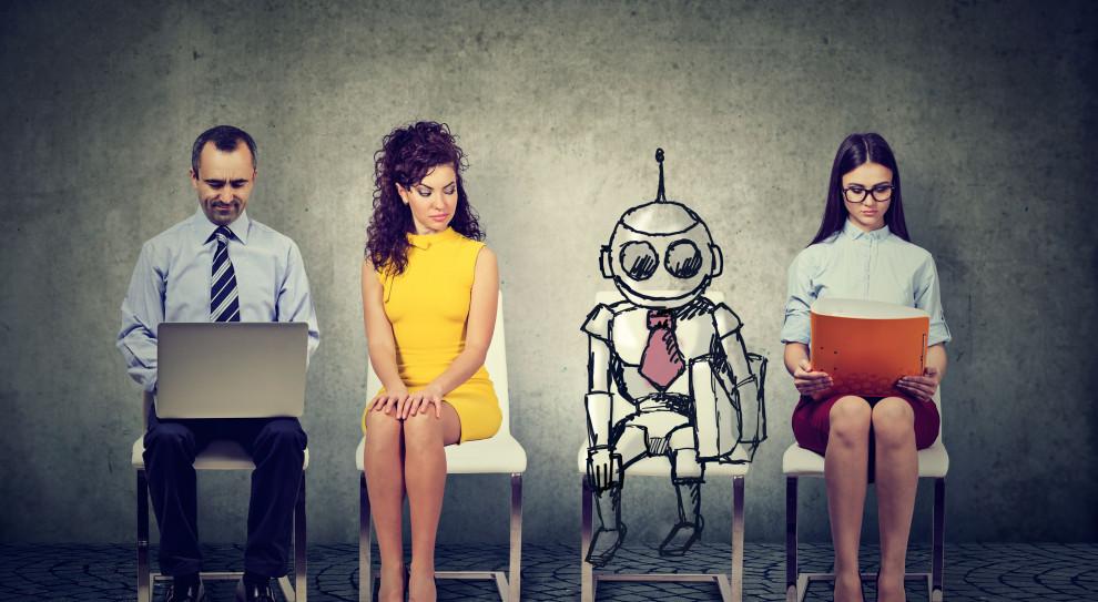 Roboty potrzebują ludzi. Część firm planuje zatrudniać