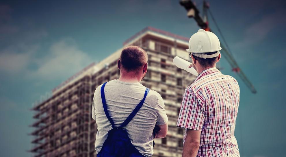 Skutki nowych przepisów unijnych najbardziej odczuje branża budowlana. (Fot. Pixabay)
