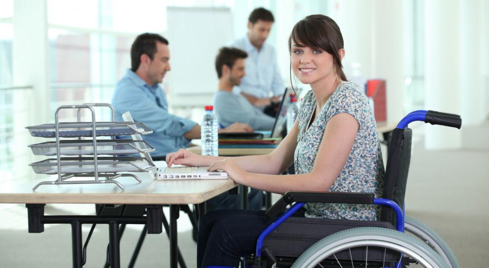 Poczta Polska stawia na niepełnosprawnych. Chce mocno zwiększyć ich zatrudnienie