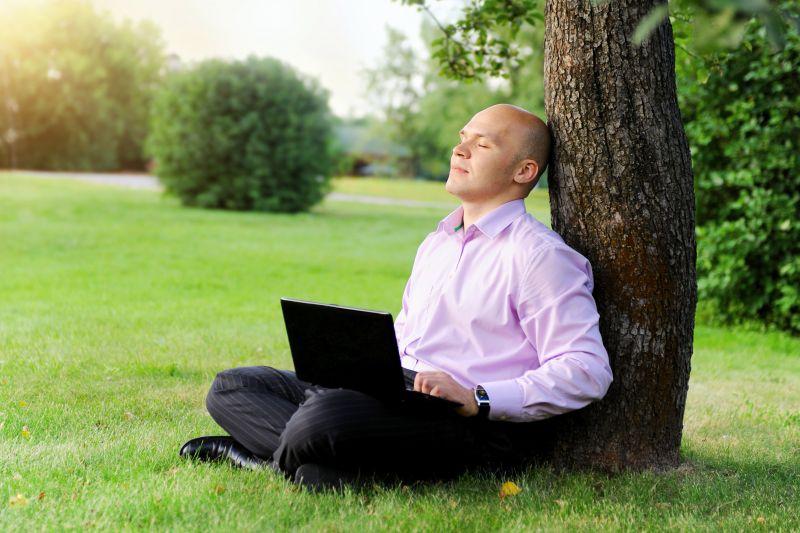 W prowadzonych na pracodawcach z 96 krajów badaniach grupy IWG 89 proc. ankietowanych stwierdziło, że wprowadzenie pracy zdalnej przyczyniło się do rozwoju firmy. (Fot. Shutterstock)