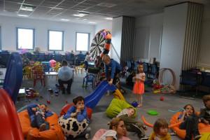 Strajk w szkołach. Centrala Lidla zapewniła opiekę 350 dzieciom