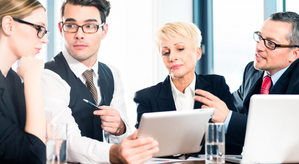 Rekrutacja na trudnym rynku pracy nie zawsze zgodna z przepisami. To błąd. Również wizerunkowy