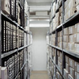 Tysiące urzędników i pracowników prywatnych firm stracą dostęp do tajemnic państwowych