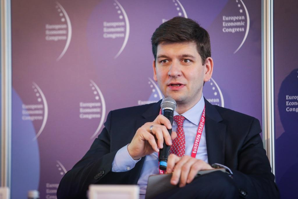 Michał Zajezierski, wiceprezes Nowel