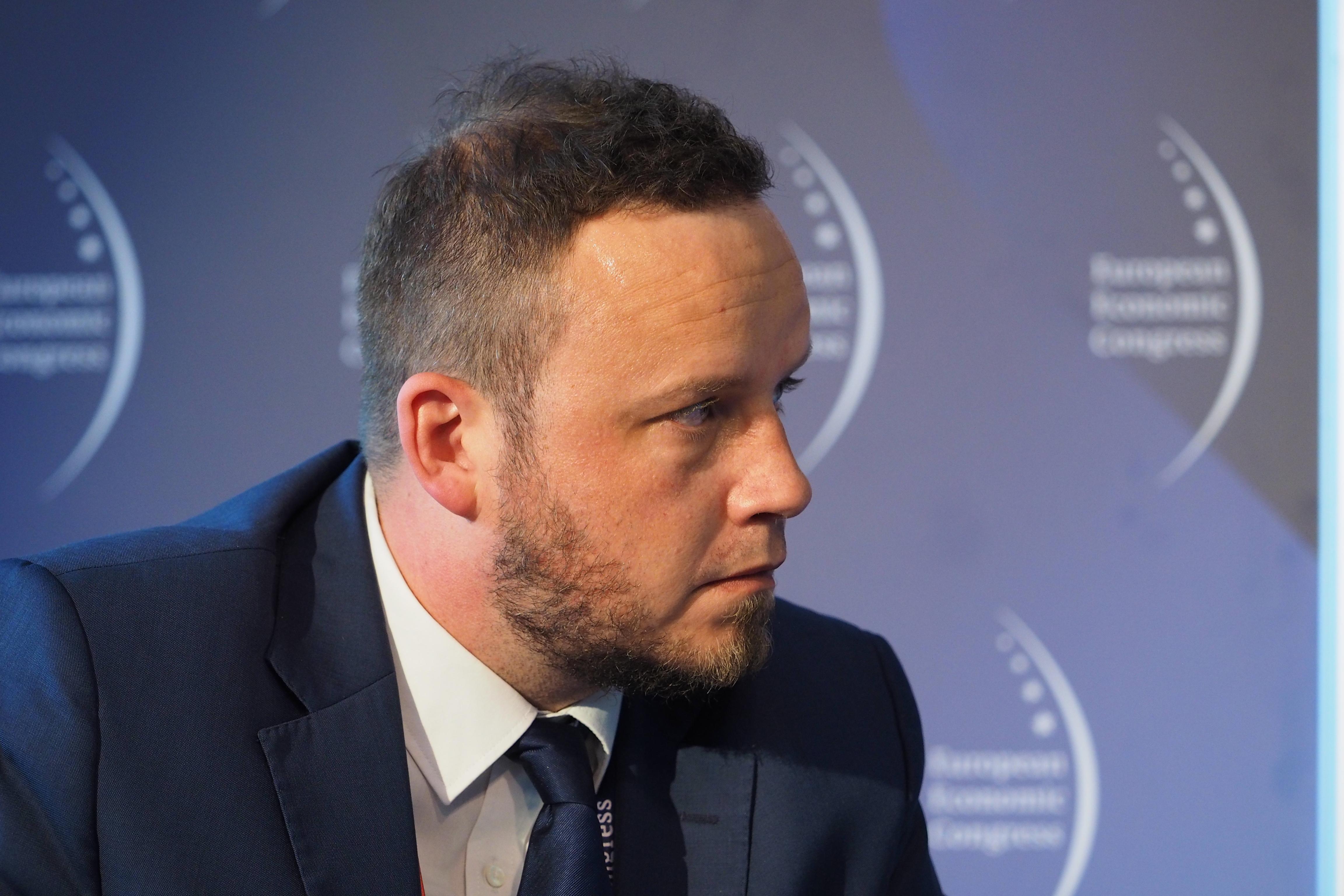 Dyskusję poprowadził Rafał Kerger, redaktor naczelny WNP.pl (Fot. PTWP)