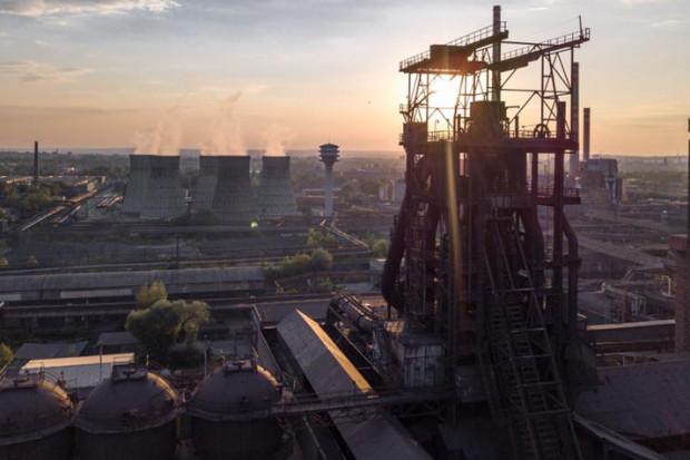 Radni bronią miejsc pracy w hucie ArcelorMittal