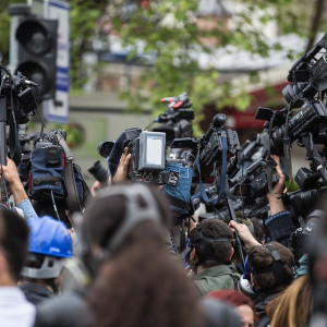 Nowe prawo uderzy w dziennikarzy? Środowisko apeluje do prezydenta