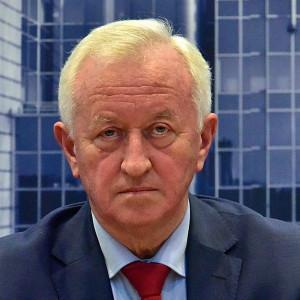 Europoseł obiecuje 1000 euro pensji minimalnej