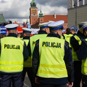 """Nadchodzi rekordowa fala odejść policjantów. """"Rząd nic nie robi, by ich zatrzymać"""""""