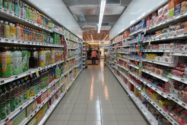 Po tłumach w sklepach nie ma już śladu