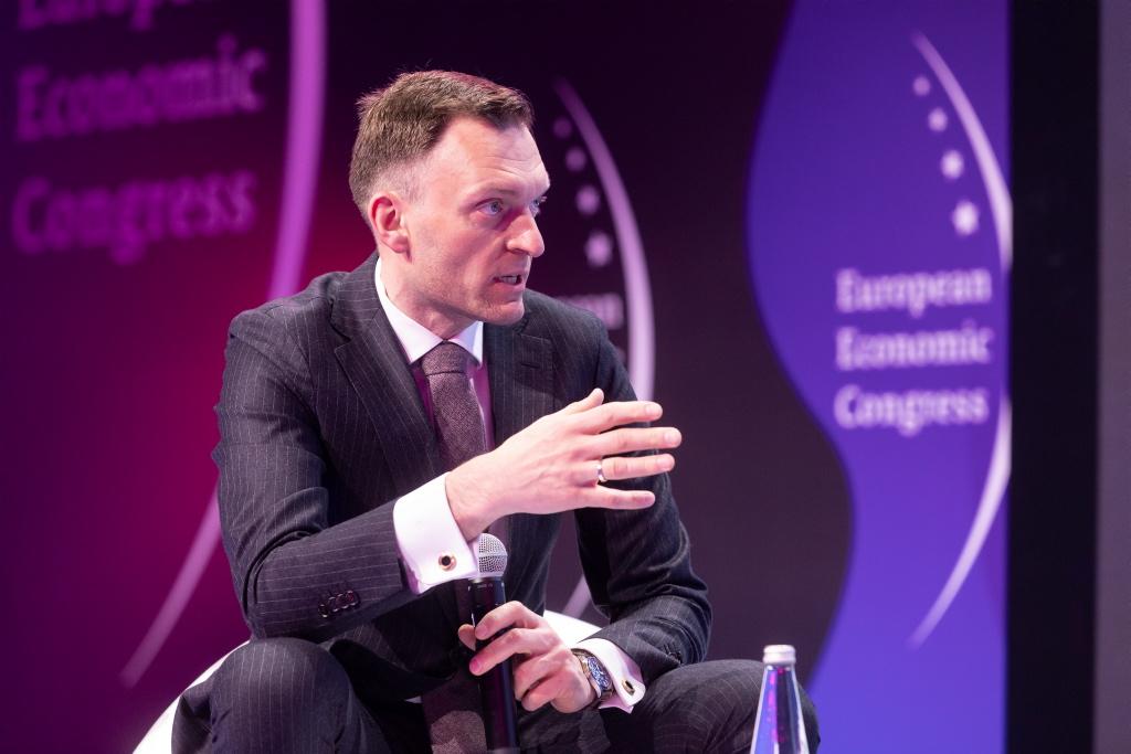 Dyskusję prowadził Tomasz Machała, wiceprezes ds. wydawniczych w Wirtualnej Polsce