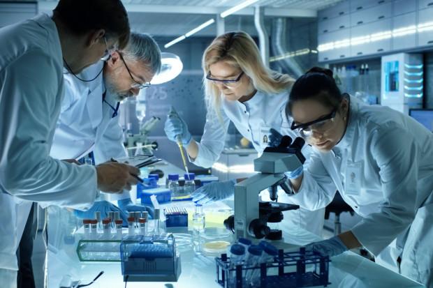 Najzdolniejsi młodzi naukowcy odebrali stypendia START