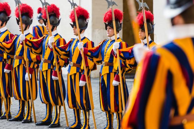 Papieskie wojsko ma być większe. Gwardia Szwajcarska rekrutuje