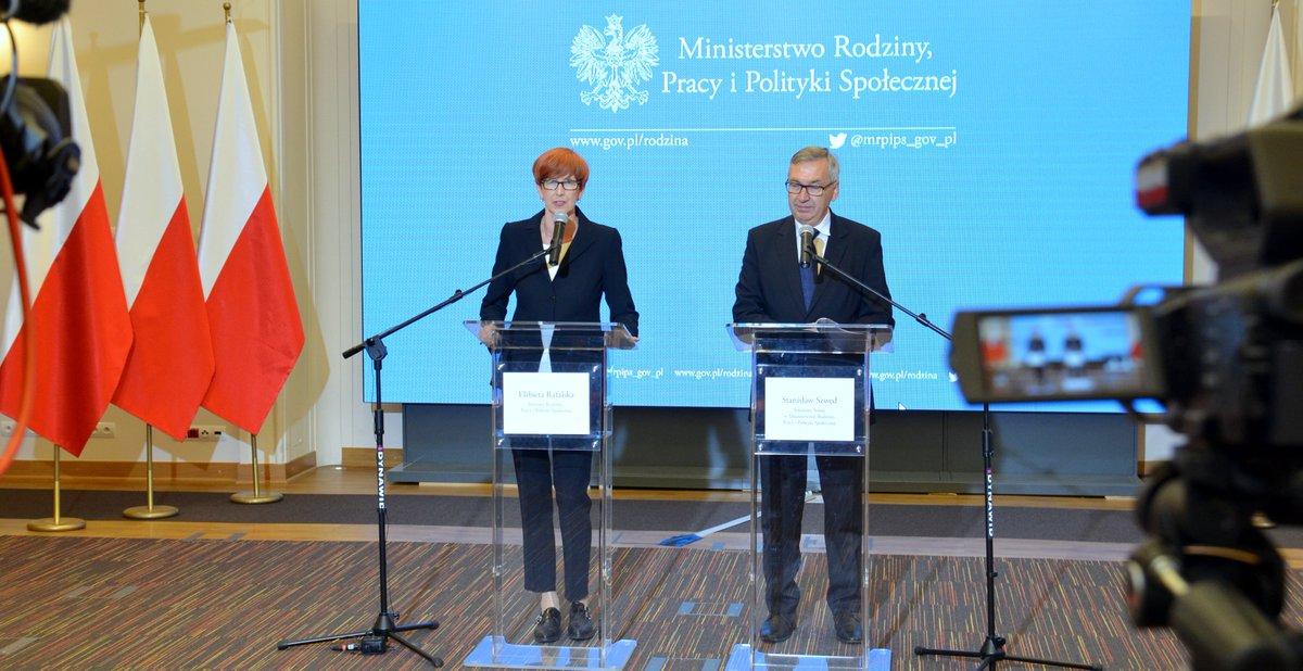 Elżbieta Rafalska i Stanisław Szwed (fot. MRPiPS/twitter)