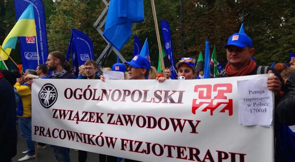 Fizjoterapeuci i diagności wstrzymują protest głodowy do 1 września