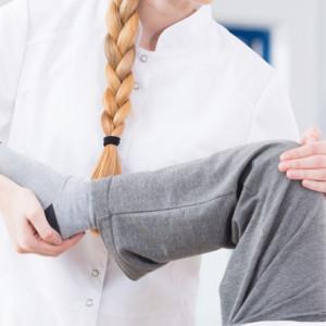Fizjoterapeuta zarabia ok. 40 proc. średniej krajowej