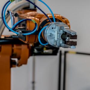 Raport: automatyzacja powodująca spadek zatrudnienia groźna dla budżetów państw