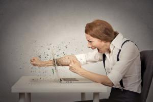 Jak poradzić sobie z hejtem na firmę w sieci?