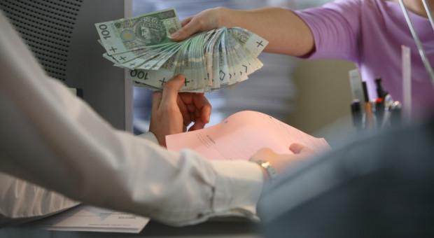 Podwyżka płacy minimalnej wywoła zwolnienia? Ekonomiści uspokajają