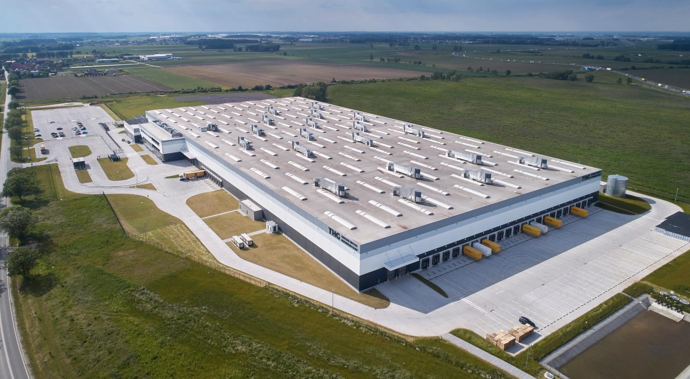 Centrum produkcyjno-logistyczne The Hut Group, firmy e-commerce działającej w segmencie zdrowie i uroda, powstało jesienią minionego roku w Magnicach pod Wrocławiem. (fot. materiały prasowe)