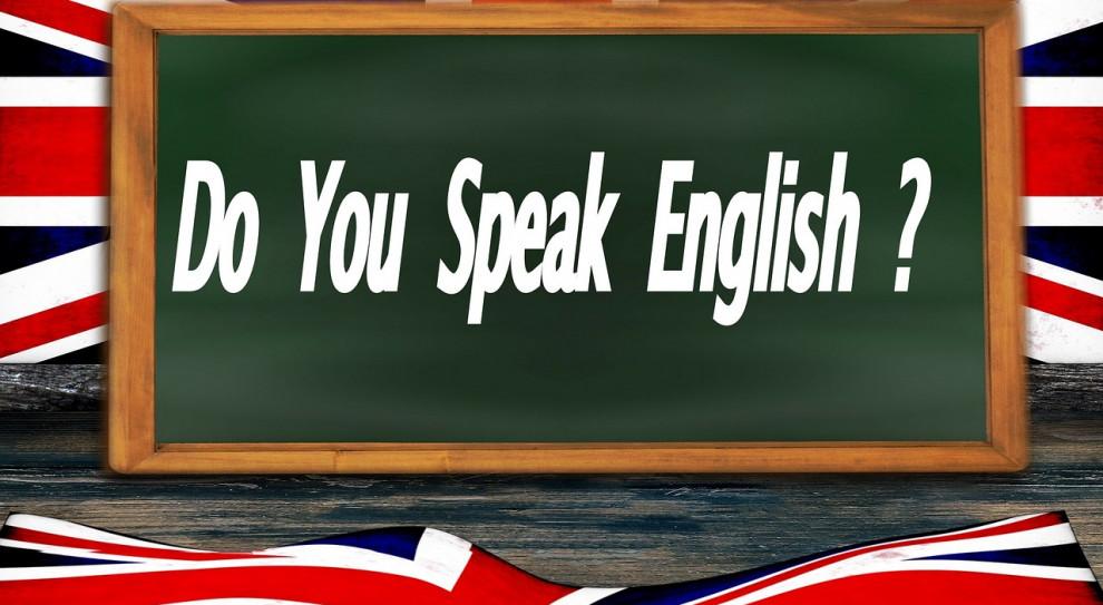 Znajomość języka angielskiego w ogłoszeniach o pracę.  Zaskakujące wyniki ankiety