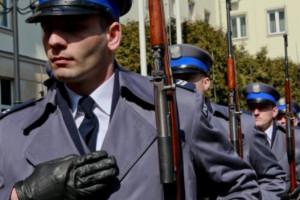 Służby mundurowe potrzebują lepszego systemu motywacyjnego