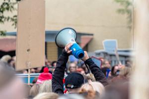 Wielotysięczna demonstracja na rzecz praw pracowników